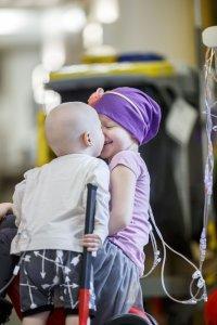 Lorianne et Émile à l'hôpital, en septembre 2018